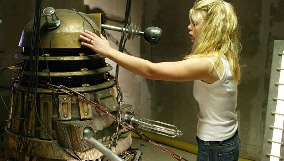 rose touches dalek doctor who