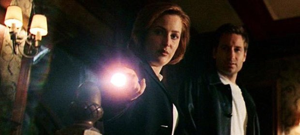 xfiles mulder scully how the ghosts stole christmas flashlight