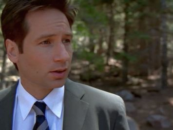 xfiles requiem mulder calls for scully
