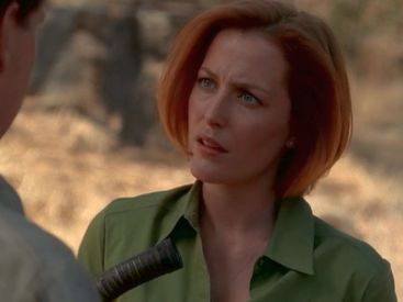 Scully's instincts, like her desert-appropriate button downs, are on point. She knows he did this to her on purpose.