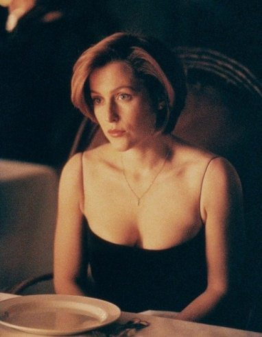 xfiles_en_ami_scully_dress