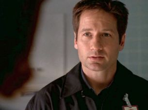 xfiles alone mulder let somebody else do it