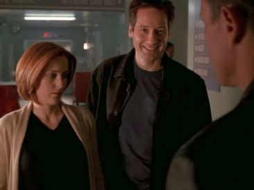 xfiles alone mulder smile