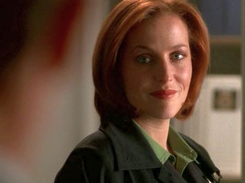 Is she coming back? She's got her Mulder back, and he's not here. What's holding Scully to the FBI, and what's holding her to the X-files?
