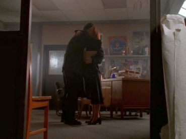 xfiles alone scully doggett hug