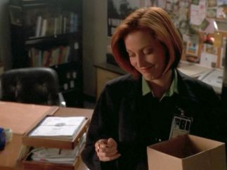 xfiles alone scully keychain smile