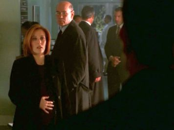 xfiles deadalive scully holding belly