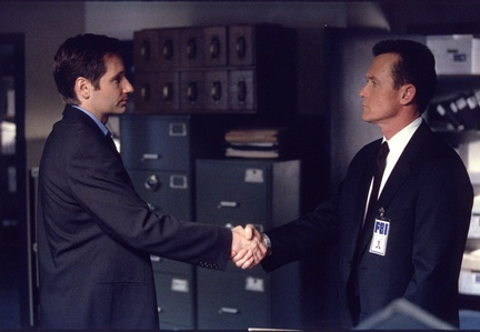 Apparently this is the last time we see Mulder in the basement office so if you need me I'll be over here crying.