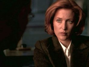 Scully's so much more beaten down now than she was with Mulder. You can see her pulling  herself in.
