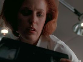 On top of losing Mulder, on top of how hard it was for her to get pregnant and how badly she wanted to, on top of the fear that even her BABY is a lie and a conspiracy, now Scully has to deal with how deep that conspiracy goes. Which not only suggests that she's in one but makes it feel like there's no way out.