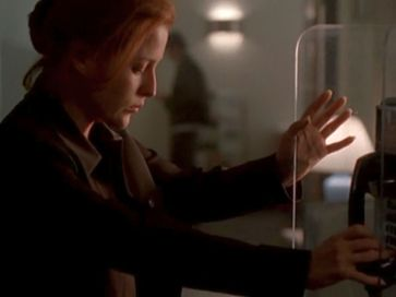 xfiles via negativa scully phone
