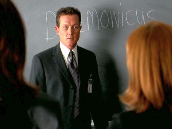 xfiles daemonicus doggett chalkboard