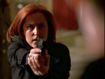 xfiles improbable scully gun hands up