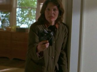 Dana you're an FBI agent, you have a gun in every room of your house, get it together